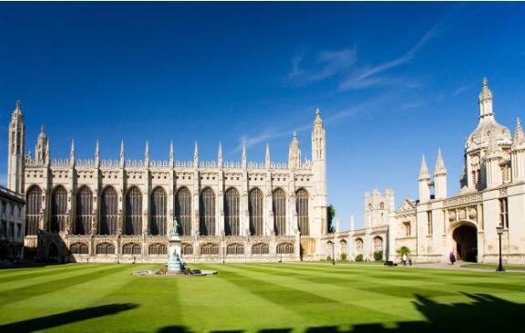 留学生赴英学经济学 英媒推荐这十所高校