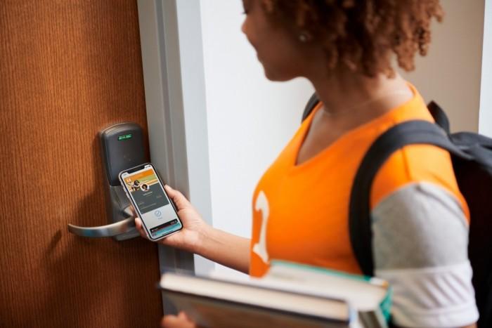 苹果将为更多美国大学生带来非接触式学生证