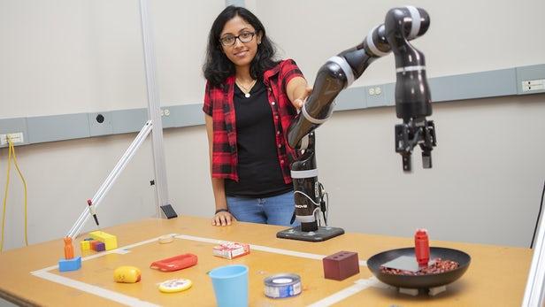 MacGyver机器人可借助日常物品打造新工具