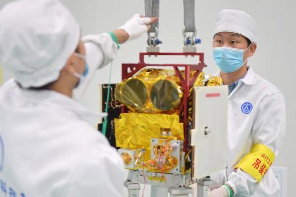 全球变化科学实验卫星系统(京师一号卫星)将运往发射场