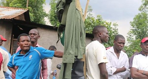 气愤!肯尼亚一官员下令挖出尸体收回死者制服