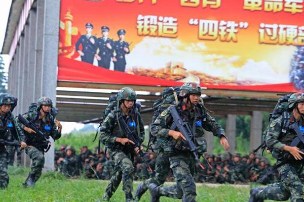 """上海武警官兵开展""""魔鬼周""""极限训练"""