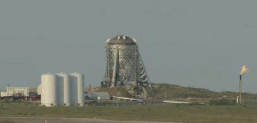"SpaceX星际飞船原型""星虫""的下一次测试或在周五进行"
