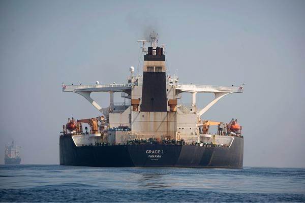 """装载伊朗原油的油轮""""格蕾丝一号""""被释放"""