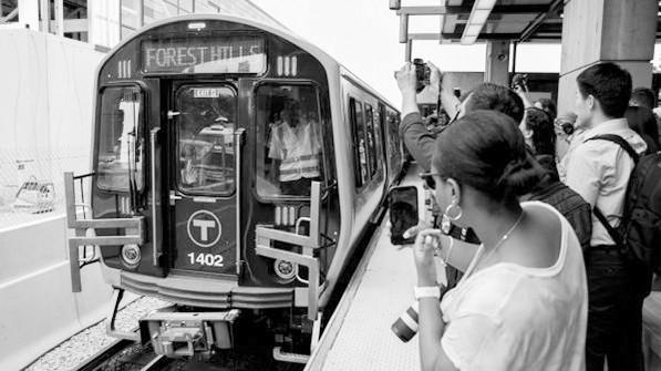波士顿地铁正式开始运营由中国在美国生产的首批地铁车辆