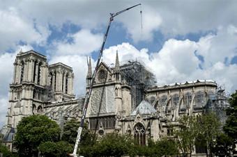 重建工作困难重重 巴黎圣母院仍有倾塌风险