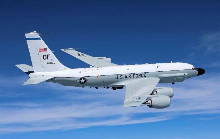 美軍頻繁對俄空中偵察 出動戰略偵察機繞飛一圈