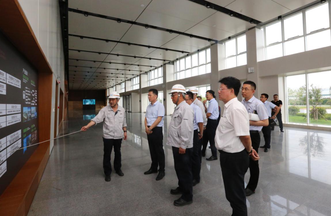 平度市市委书记谢兆村等到海湾精化调研检查