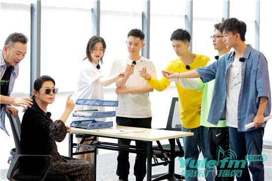 《花样新世界》倪萍范明即兴表演爆笑小品