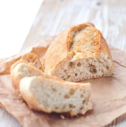 悲剧!店员给了6岁男孩一块面包,吞下不到一分钟出事了…