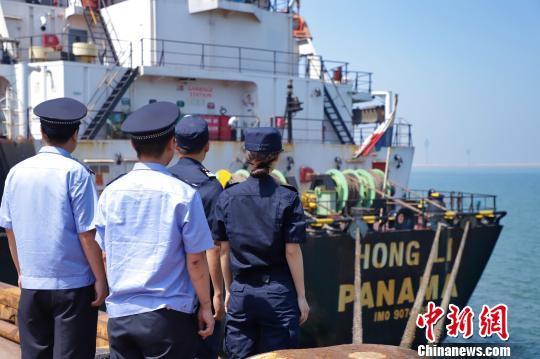"""石家庄海关退运2.53万吨""""洋垃圾"""""""