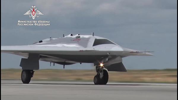 """三问俄罗斯""""猎人""""无人机,隐身设计已经失败?"""