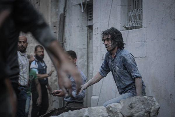 叙利亚伊德利卜再遭空袭 多人伤亡