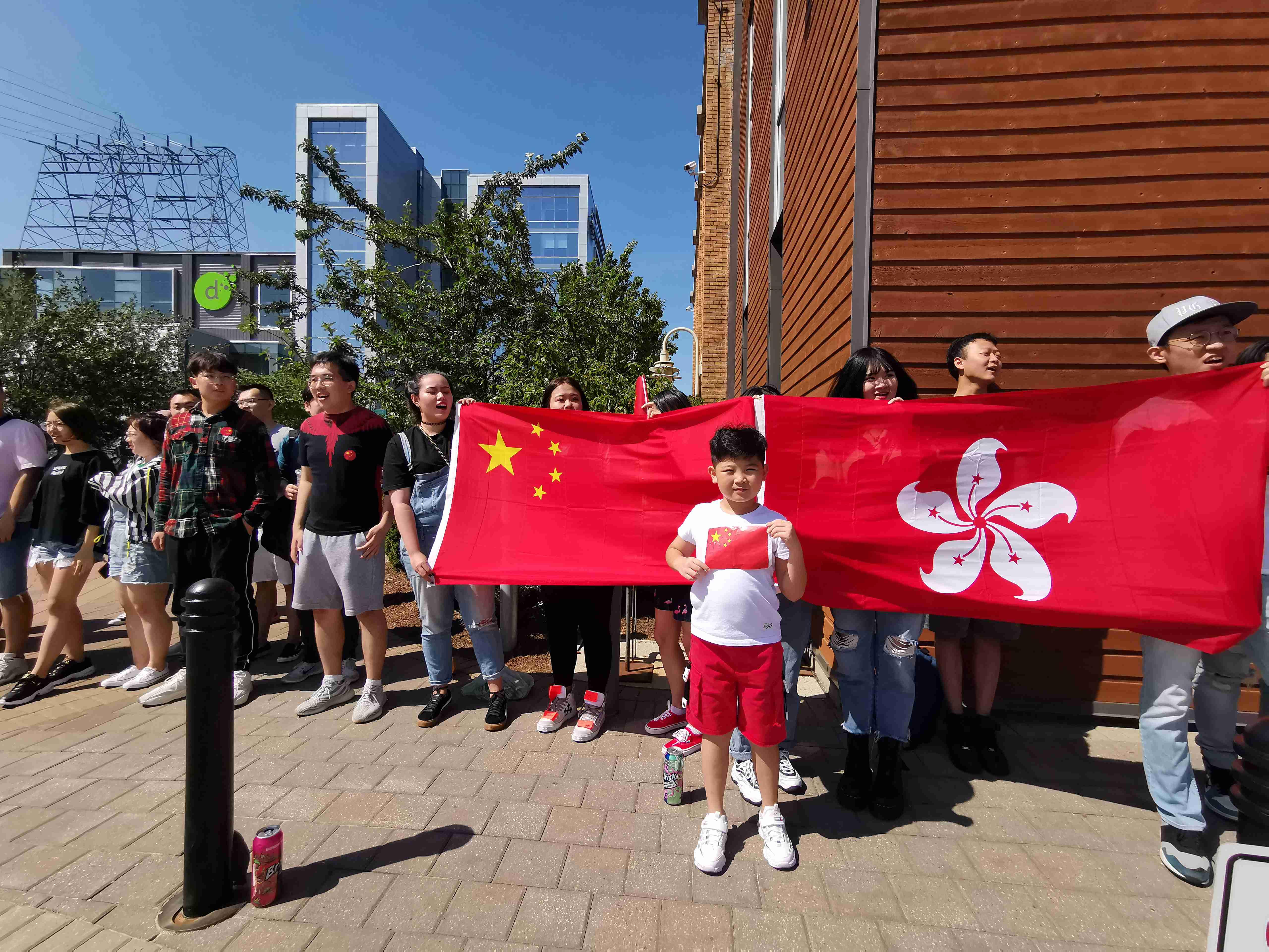 加拿大爱国留学生及华人华侨:香港永远是中国的一部分