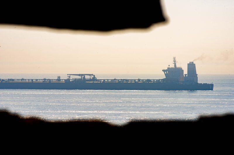 不顾美国施压 伊朗油轮将离开直布罗陀