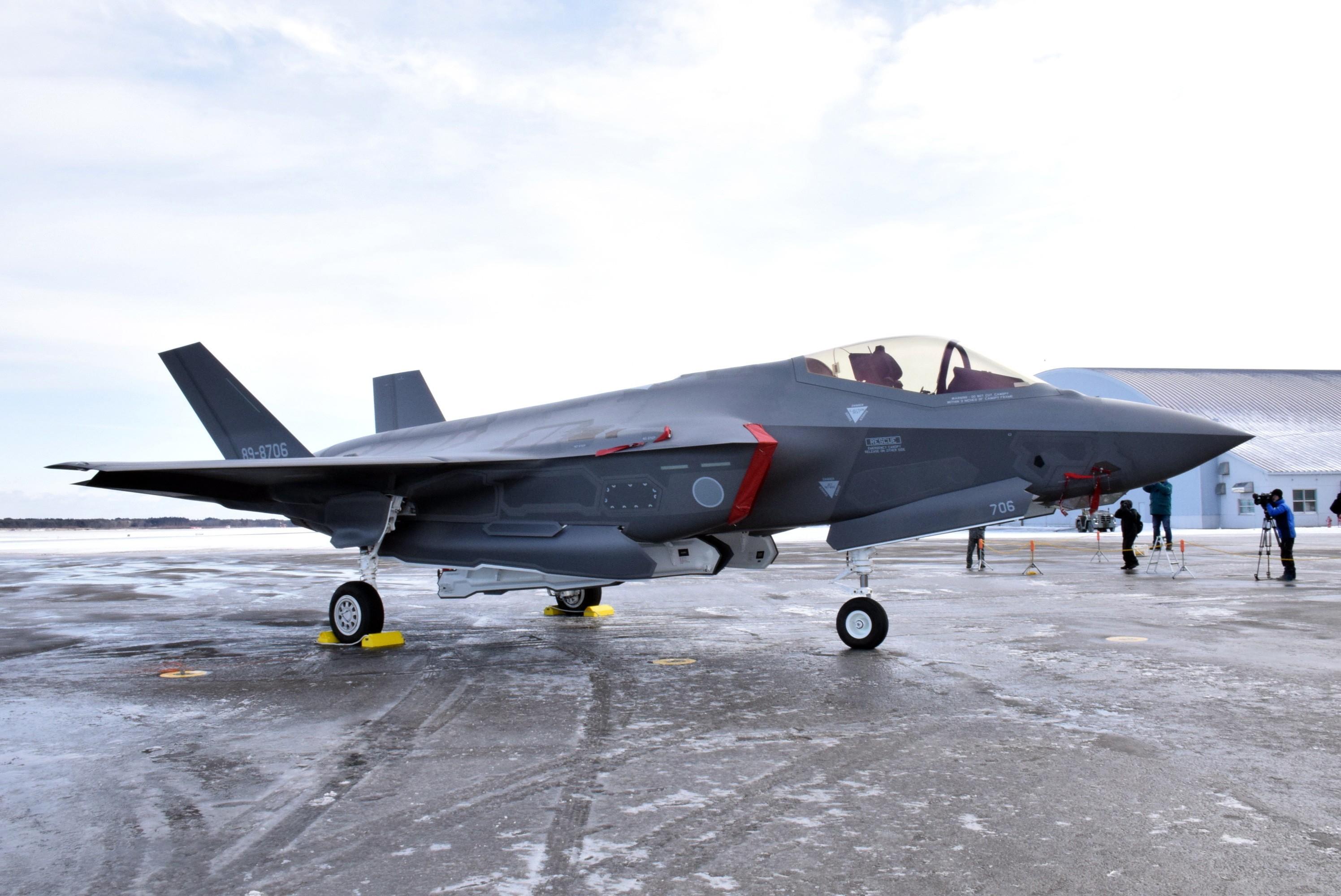 日本正式决定引进F35B战机 配备出云级准航母