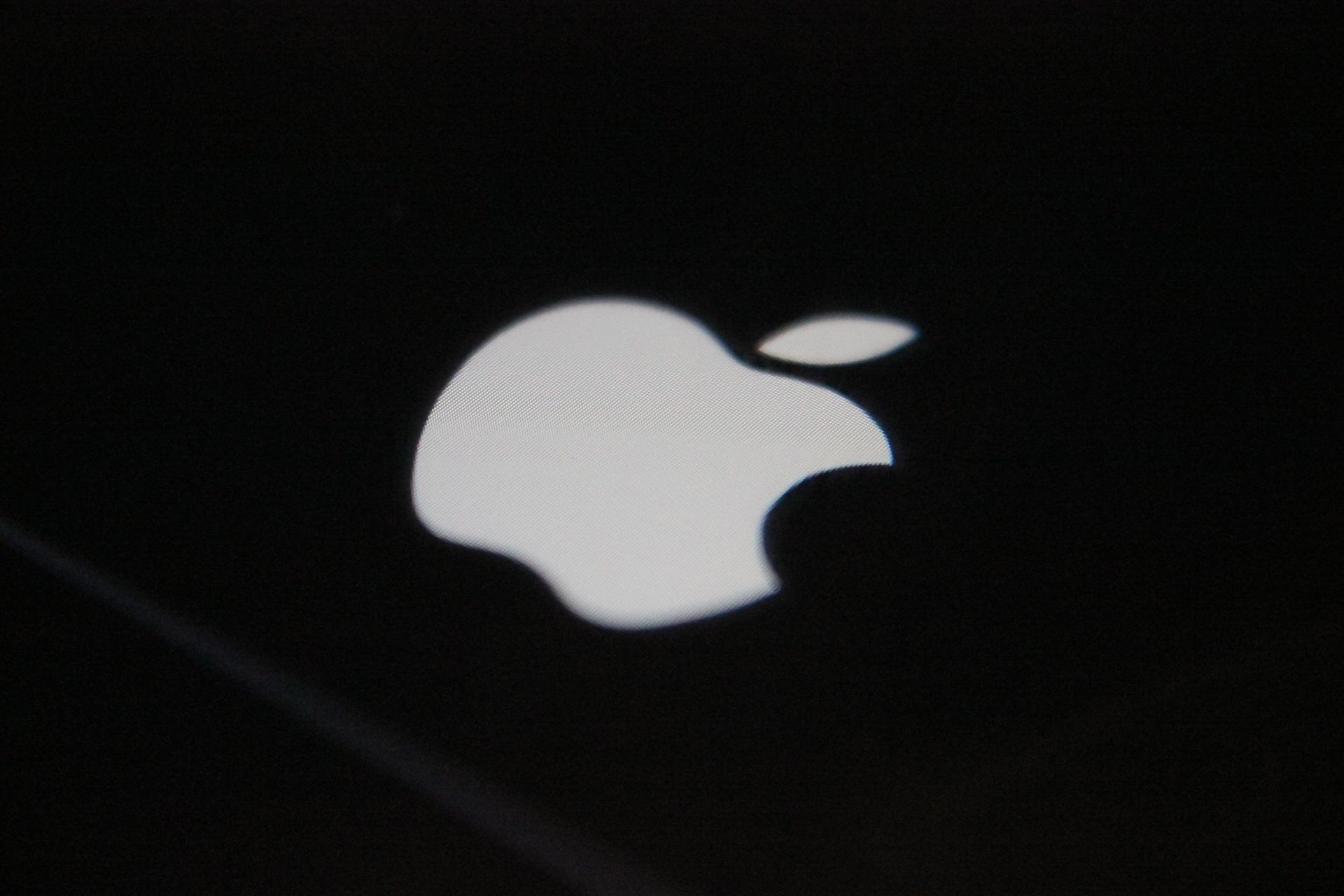 Apple Watch 5将采用OLED屏:钛合金和陶瓷表壳