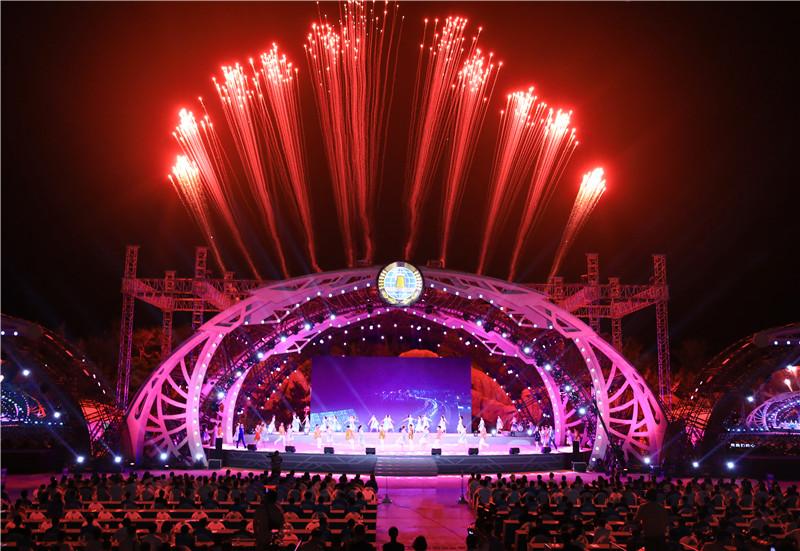 第29届青岛国际啤酒节圆满闭幕  金沙滩啤酒城接待游客逾720万人
