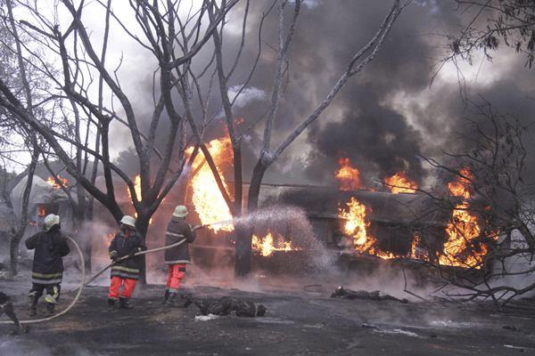 坦桑尼亚油罐车翻车起火事故已造成95人死亡