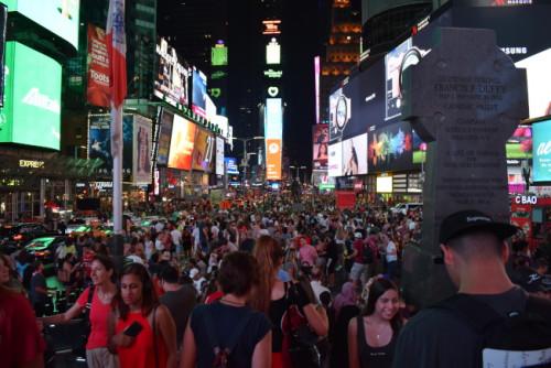 中国游客赴美旅游兴致降低 纽约旅游生意不如从前
