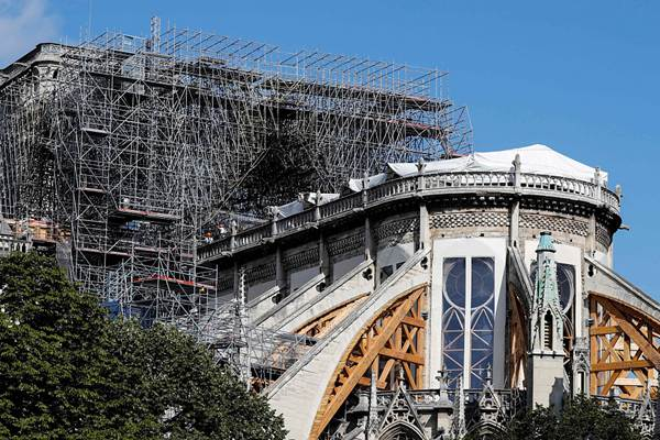 法国巴黎圣母院修复工程重启