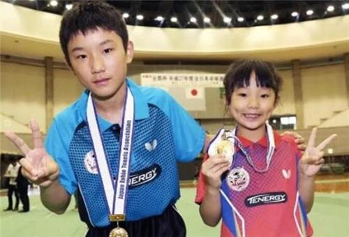 乒球少儿对抗中日平分秋色 张本美和U11-U12女单夺冠