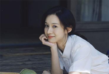 VOL57:申博官网下载登入,陆妍淇:不易满足的知足者