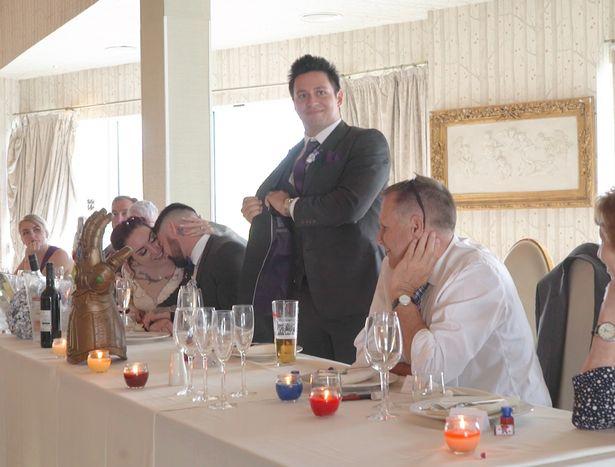 英國夫婦因漫威結緣 舉辦漫威主題婚禮