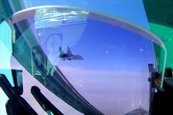 米格31战机在平流层演练空战 飞行高度接近极限