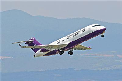 国产ARJ21飞机进行首次高原示范飞行