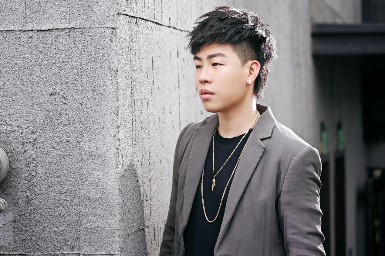新歌《逍遥游》上线 胡彦斌式中国风竟缱绻如斯
