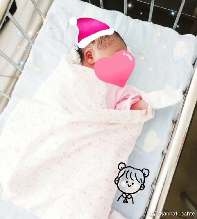 古力娜扎身份升级当小姨 姐姐晒宝宝照片可爱满分