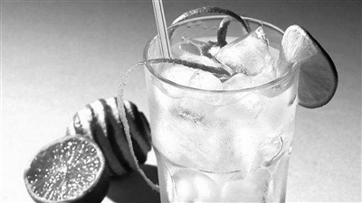 什么?喝两口冰水怎么还中暑了