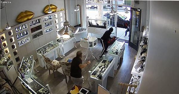 美加州一珠寶店遭搶劫 店主赤手空拳擊退劫匪