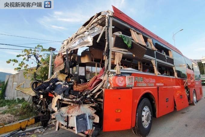 越南庆和省两辆客车相撞 已致1人死亡40人受伤