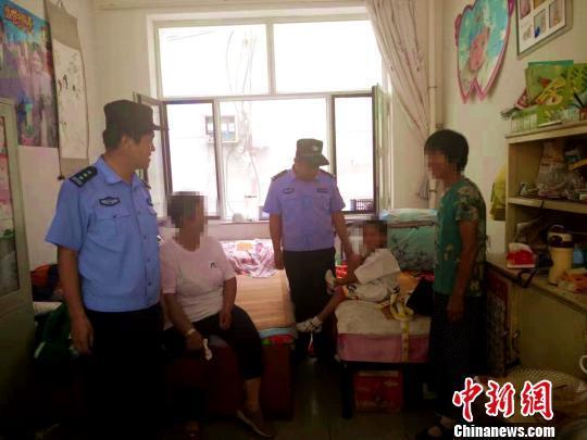 """内蒙古两女童""""找妈妈""""走失 警民全城急寻"""