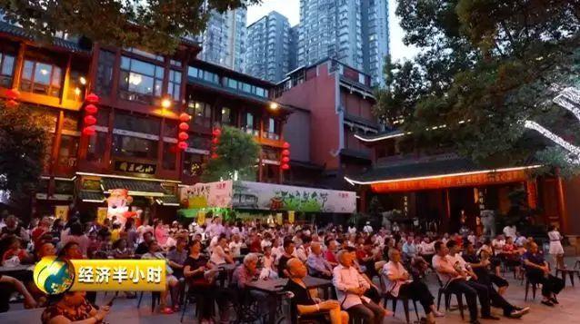 深夜,长沙人在吃宵夜!上海人在健身!你的城市呢