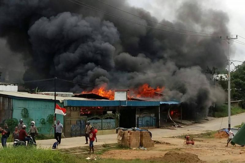 印尼一监狱暴动并遭纵火 258名囚犯趁机越狱