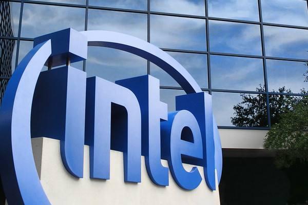 英特尔发布首款AI芯片 专为大型数据中心