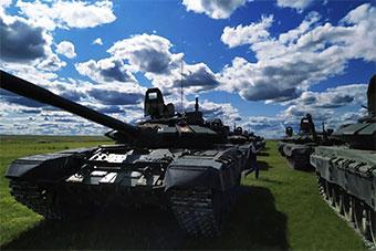 蒙古和俄罗斯举行联合演习 蓝天草原下铁流奔驰