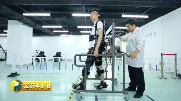能做手术能变钢铁侠 这些医疗AI到底有多牛