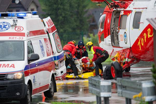 波兰:雷电击中游客造成4人死亡