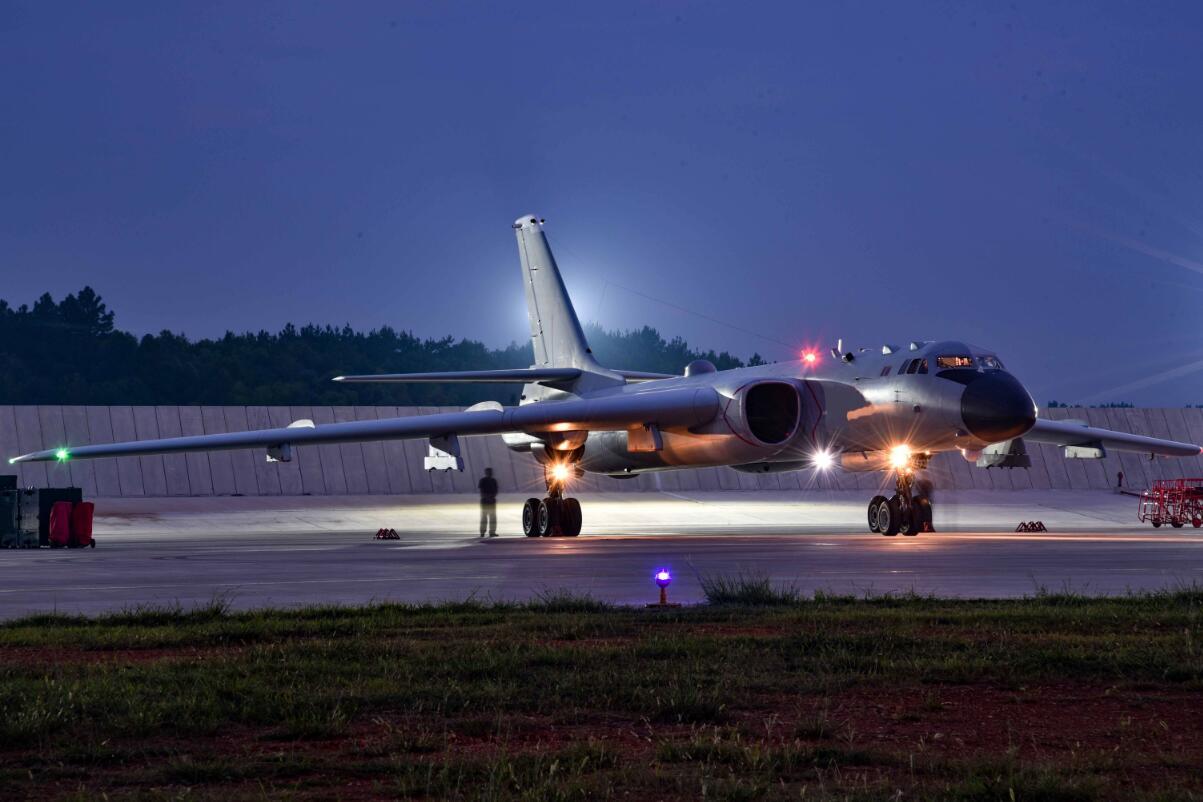 美在亚太部署中导中国如何应对?专家:隐身轰炸机