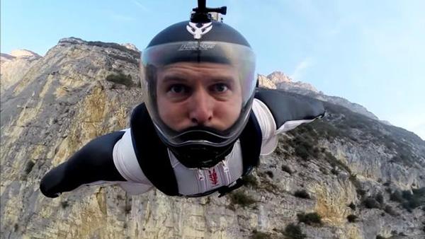 痛心!英國一名科學家定點跳傘時不幸喪命