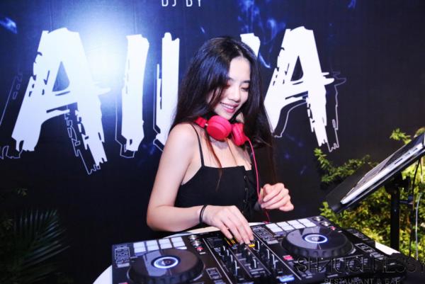 张靓颖发布全新电音专辑 电音新秀AILIA参与混音制作
