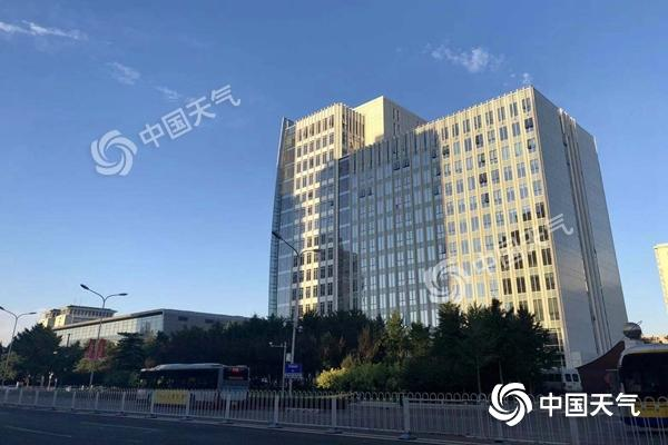 今日迎来处暑节气 北京晴空在线最高温30℃,倍投网专栏圈比较英俊的选手-半小时8辆车占直行