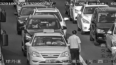 出租车被套牌,为何从不报警?