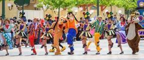 上海迪士尼公开回应禁带食物并坚持搜包