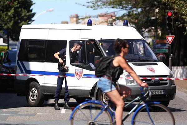 法国小城比亚里茨加强警戒迎G7峰会