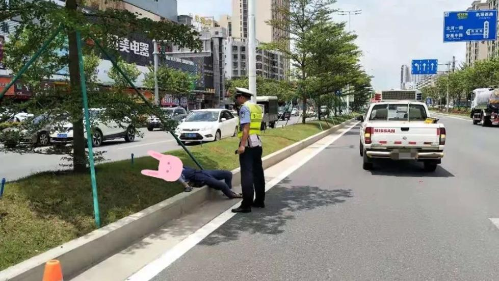 惊险!珠海一女子大中午晕倒马路中间!这些图却在网上疯传!